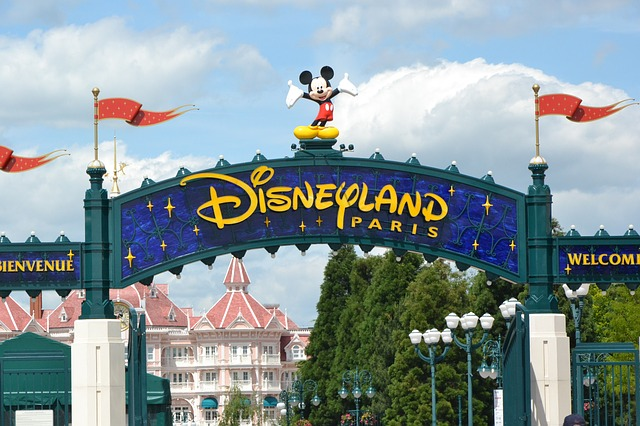 How to Get from Charles de Gaulle to Disneyland Paris