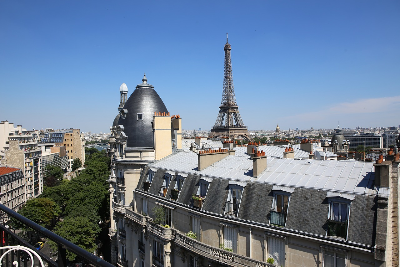 How to Get from Explorers Hotel to Paris